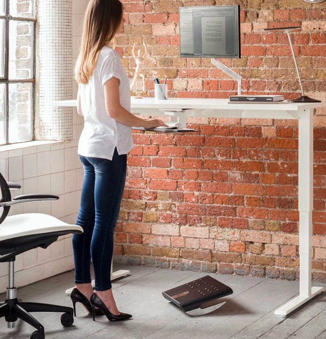 Float Table designed by Humanscale Design Studio