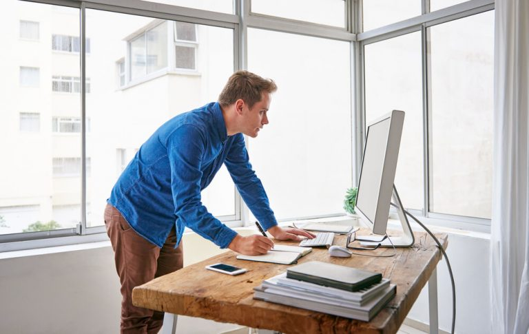 10 User Mistakes to Avoid When Working At Adjustable Standing Desk