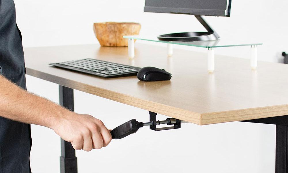 Manual standing desks