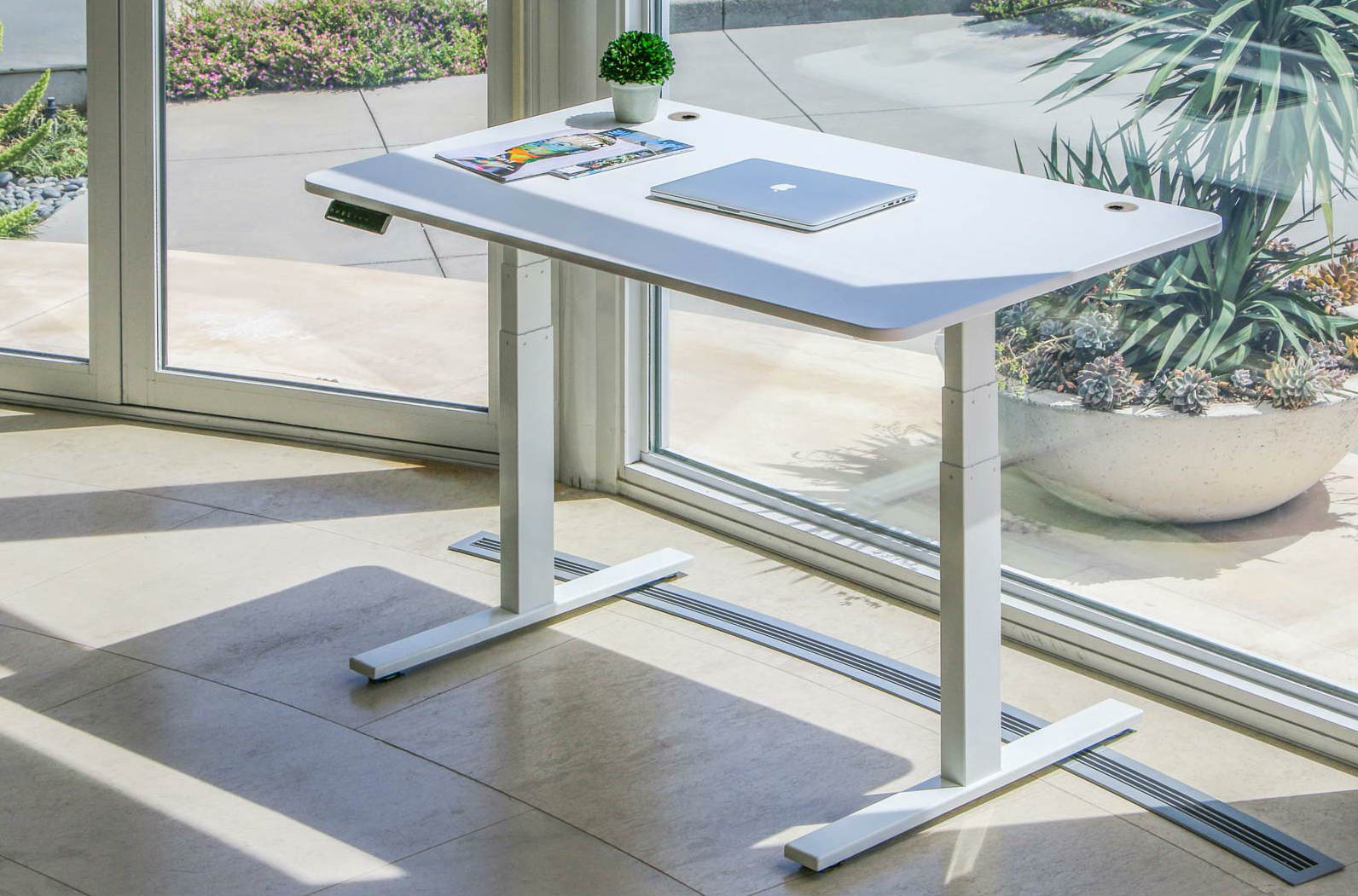 Autonomous SmartDesk_2 sit-to-stand ergonomic table image